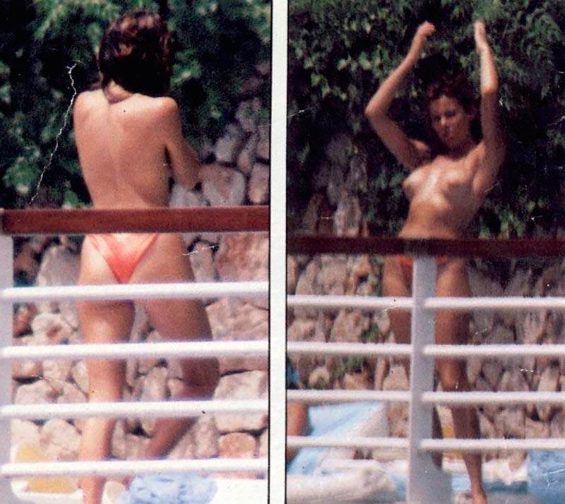 Ana Obregón Topless Pillada Vacaciones 2
