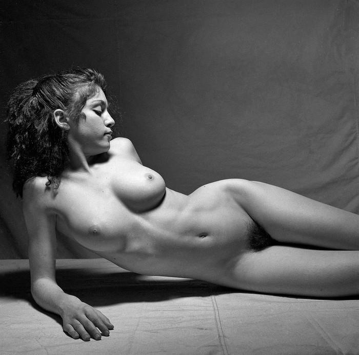 Madonna desnudo artístico