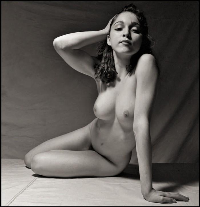 Madonna posado blanco y negro