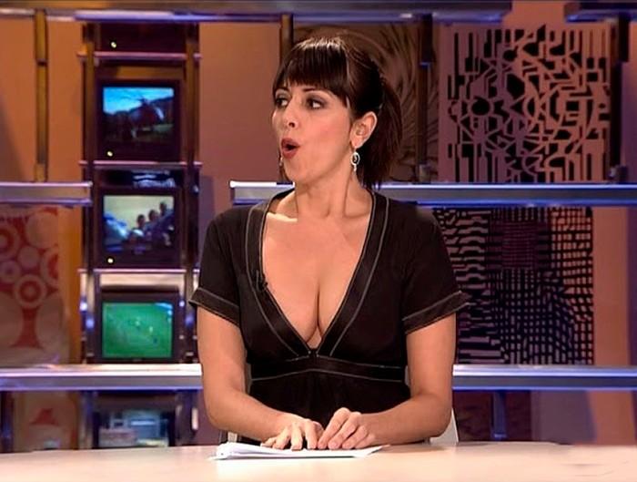 Yolanda Ramos canalillo zapeando