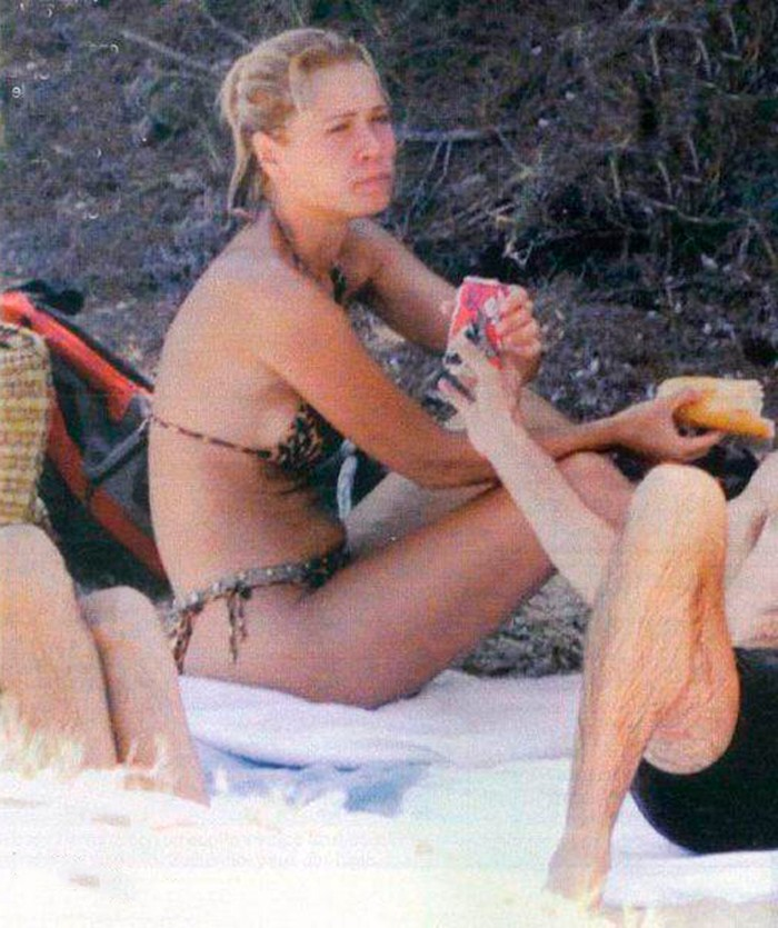 Carla Hidalgo bikini playa