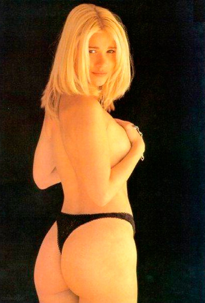 Carla Hidalgo famosa española desnuda