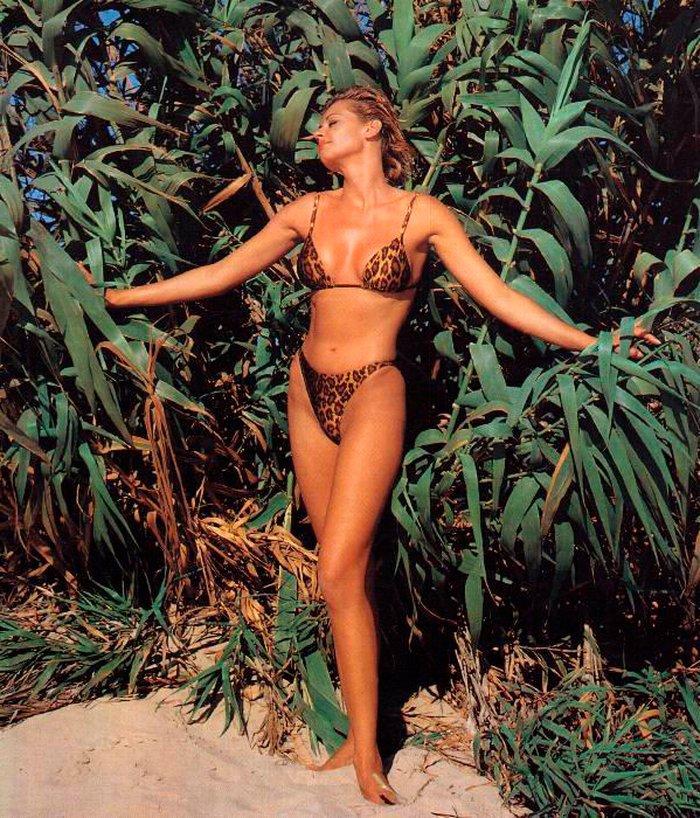 Esther Arroyo bikini leopardo