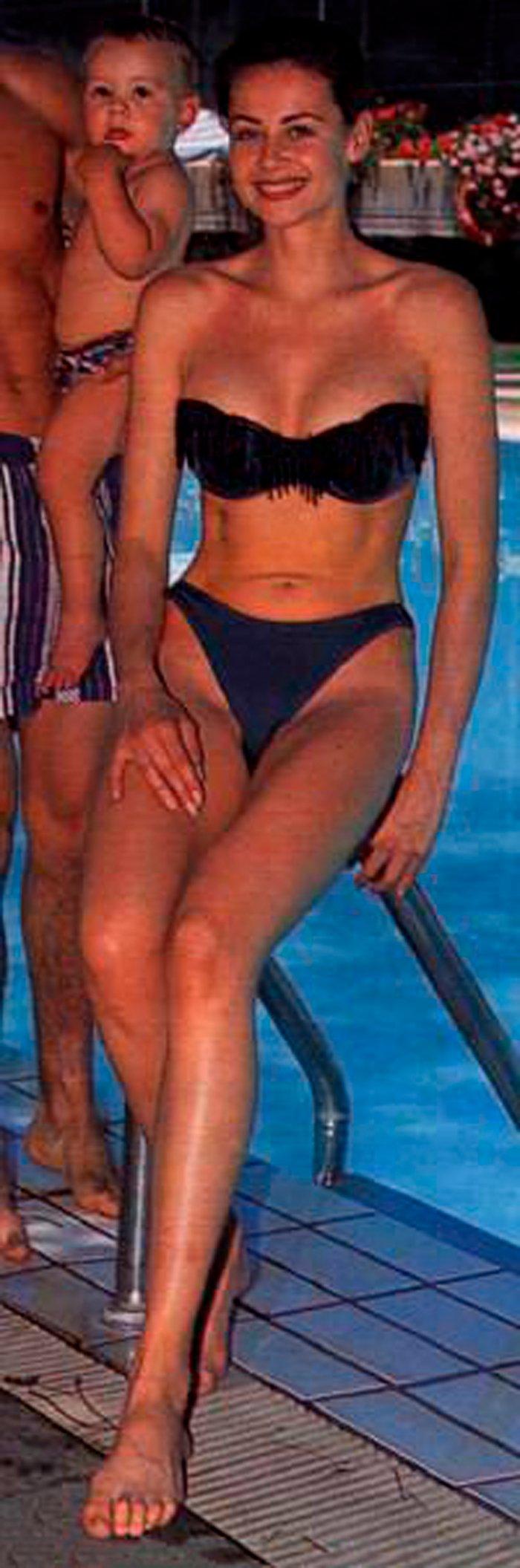 Esther Arroyo espectacular bikini negro