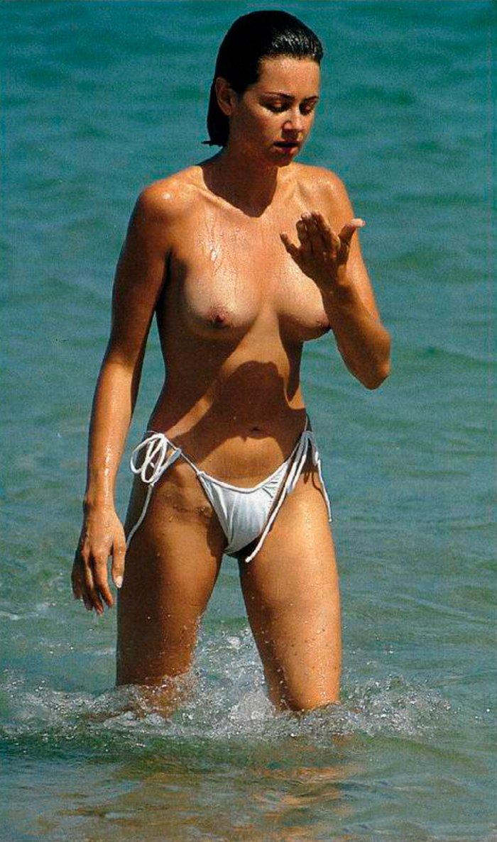 Esther Arroyo topless playero