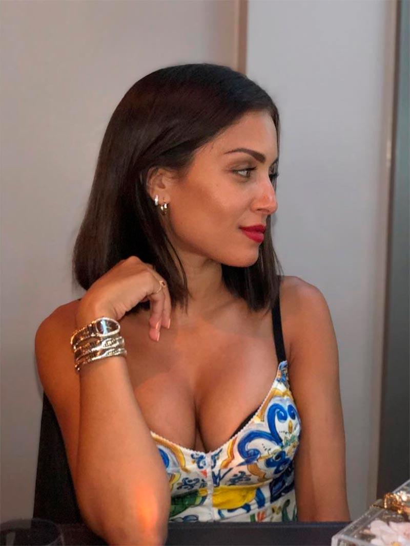 Hiba Abouk Escote Provocativo 5