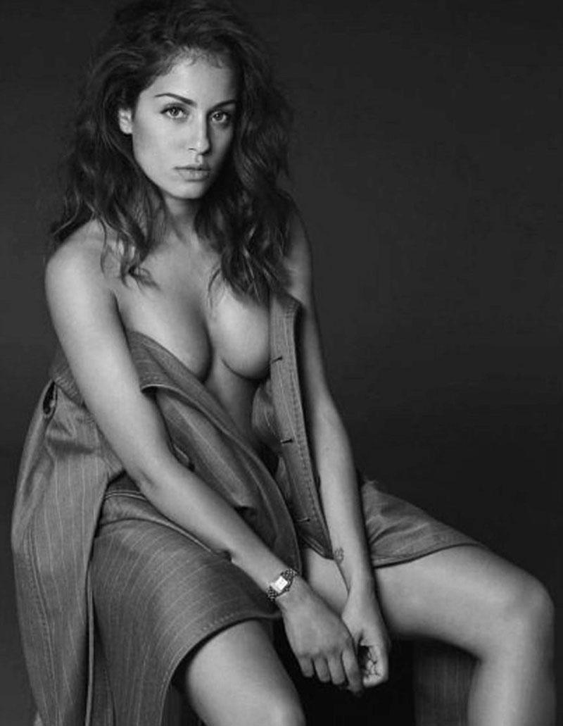 Hiba Abouk Fotos Eróticas Posado