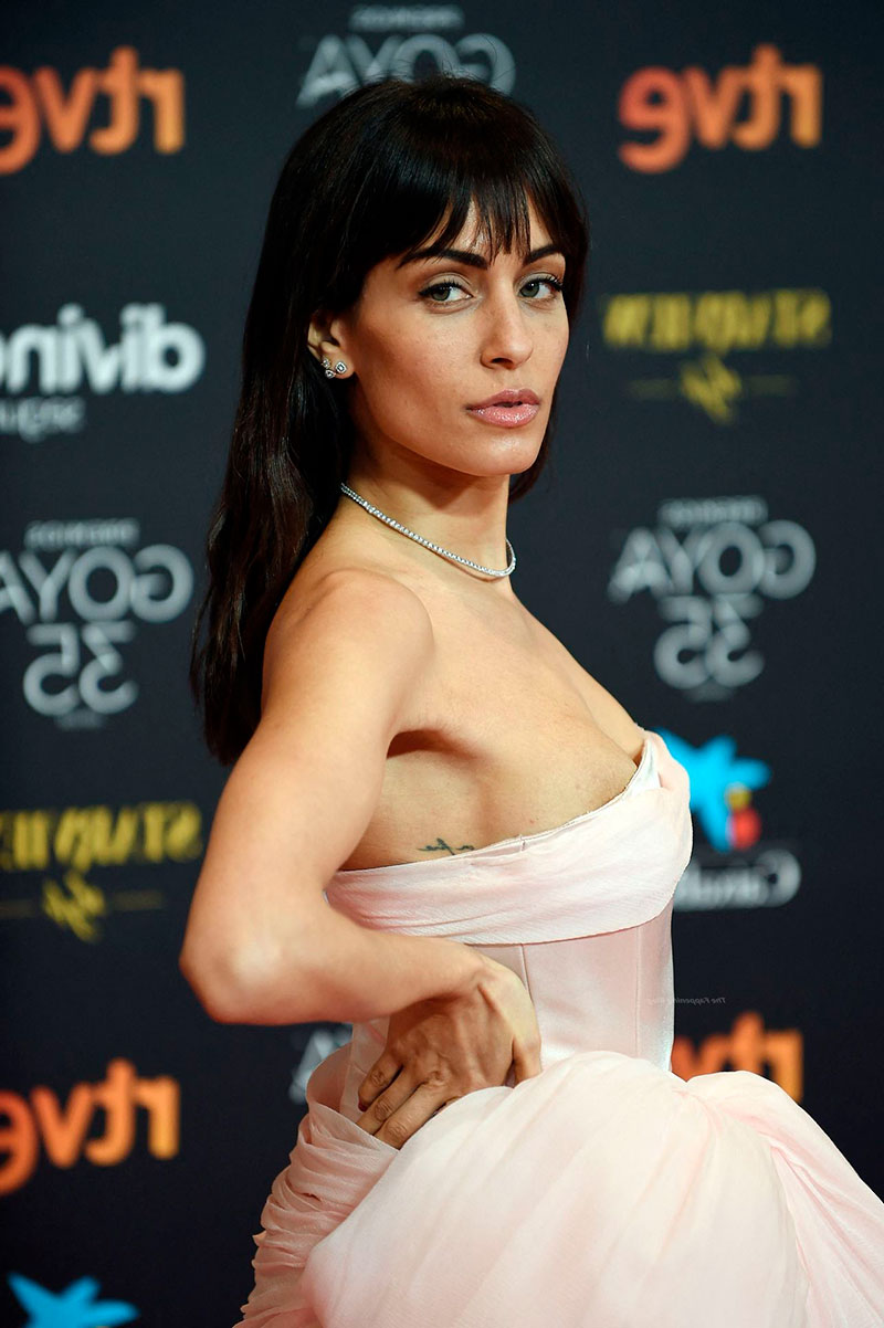 Hiba Abouk Vestido Sexy Estreno Cine 2