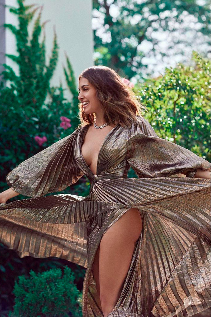 Hiba Abouk Vestido Sexy Estreno Cine 5