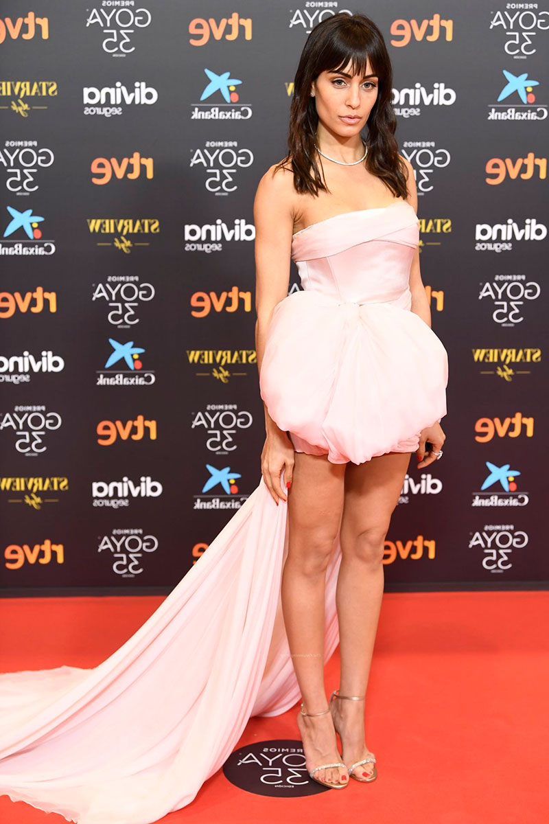 Hiba Abouk Vestido Sexy Estreno Cine
