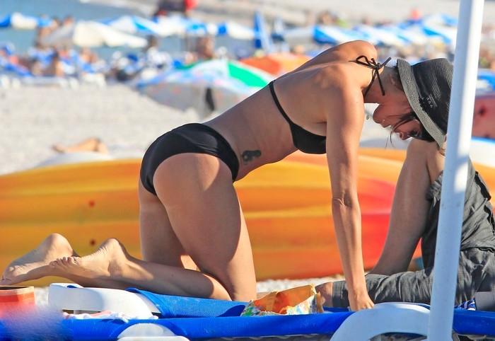 Maribel Verdú luciendo bikini