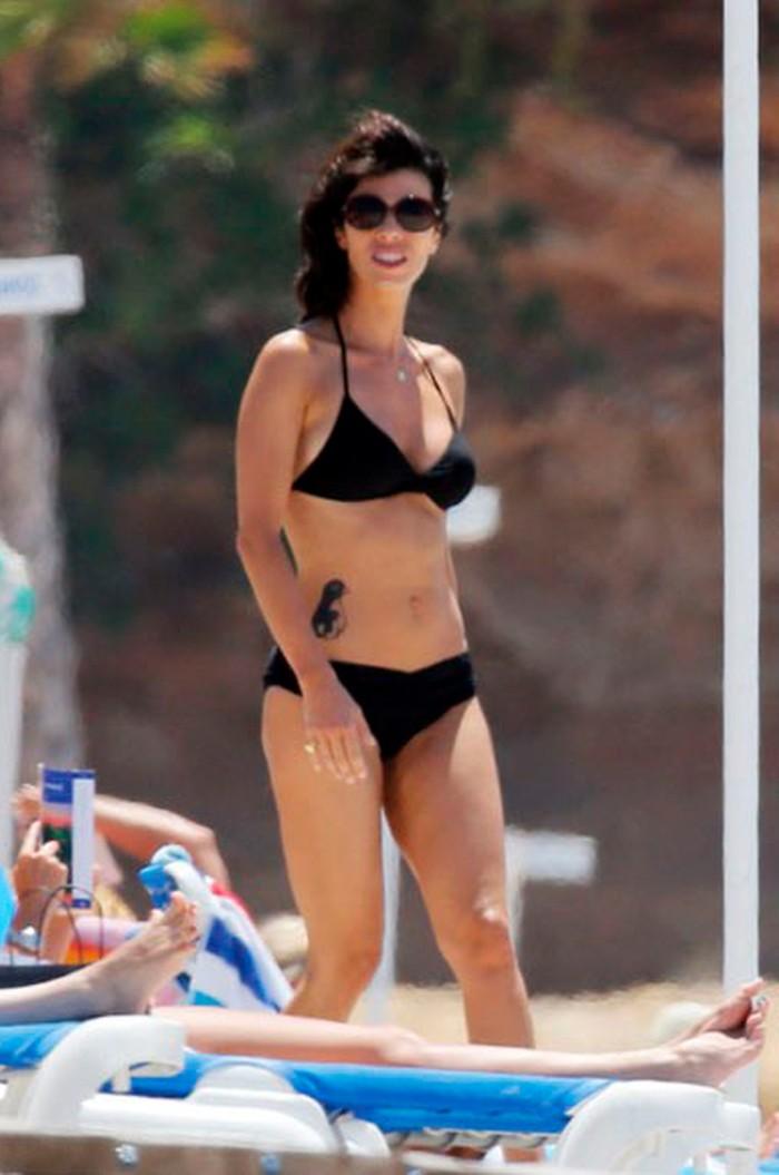 Maribel Verdú pillada en la playa