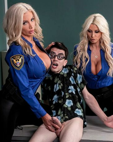 Nicolette Shea Brittany Andrews duelo silicona