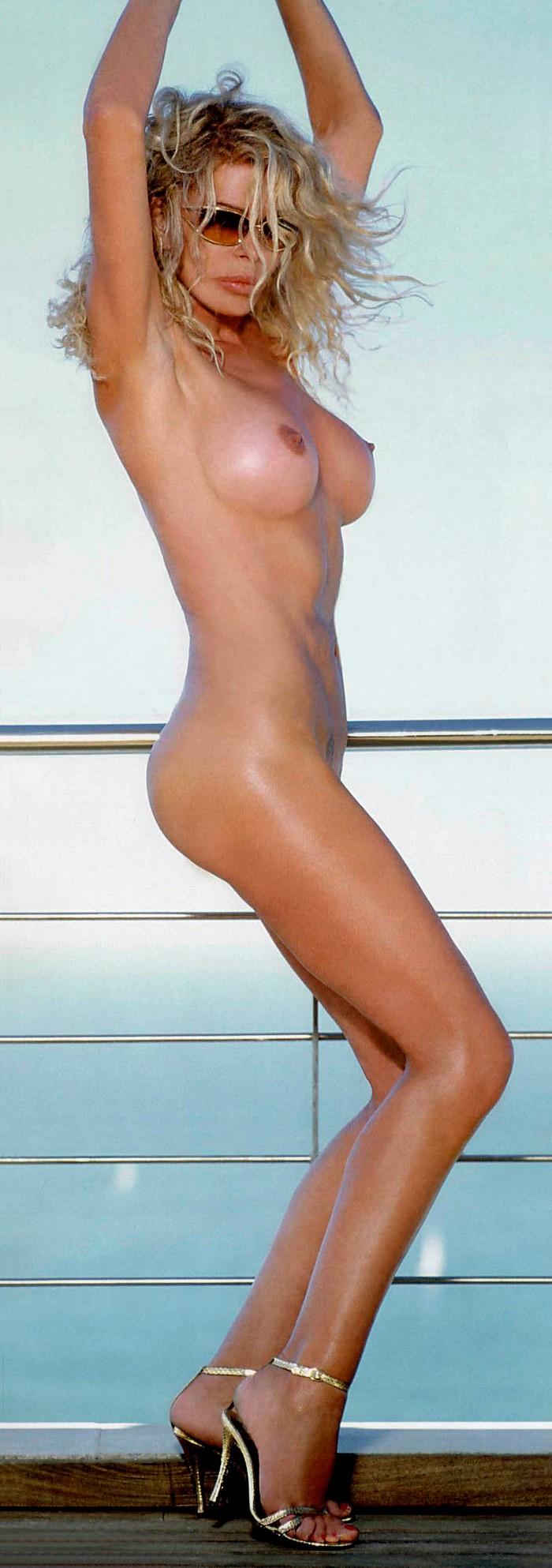Bibiana Fernández sensual posado