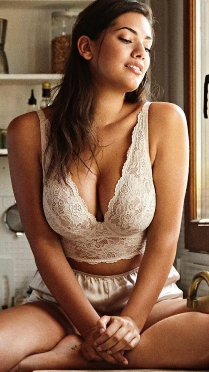 Lorena Durán mujer moderna femenina