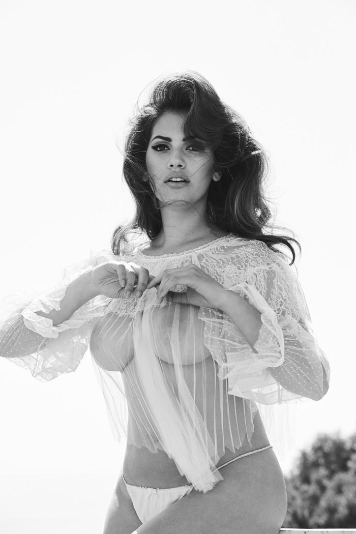 Lorena Durán sesión fotográfica erótica
