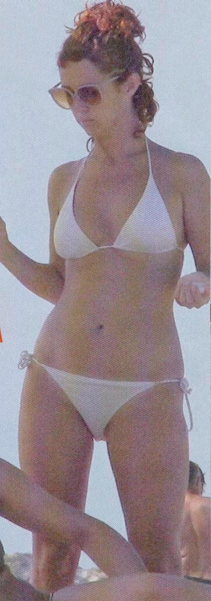 Marta Belenguer bikini playa