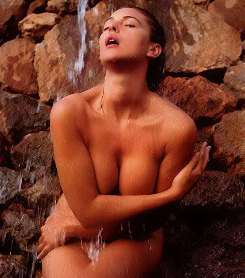 Monica Bellucci Desnuda Actriz Italiana 8