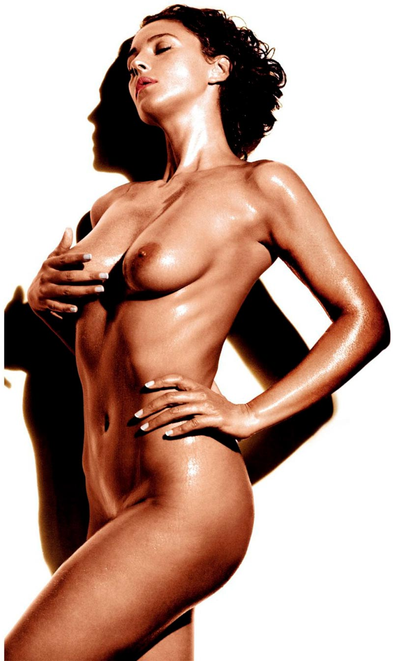 Monica Bellucci Desnudo Explícito Cuerpo Entero