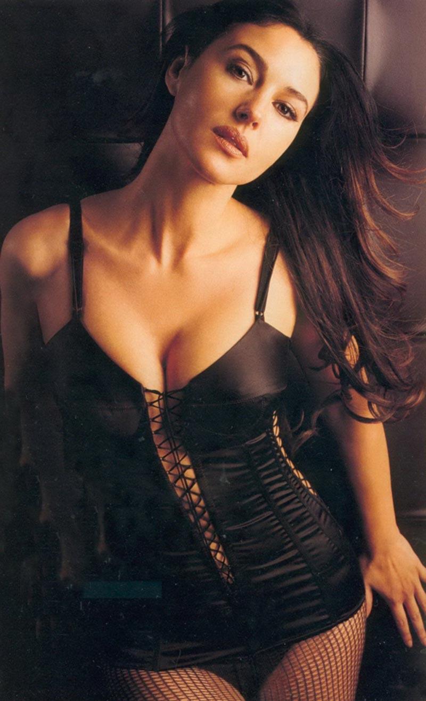 Monica Bellucci Diva Italiana Atractiva Modelo 4