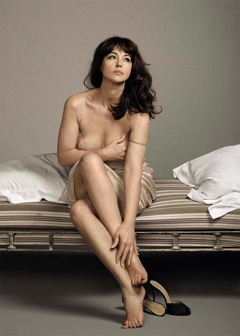 Monica Bellucci Modelo Ropa Revista Moda