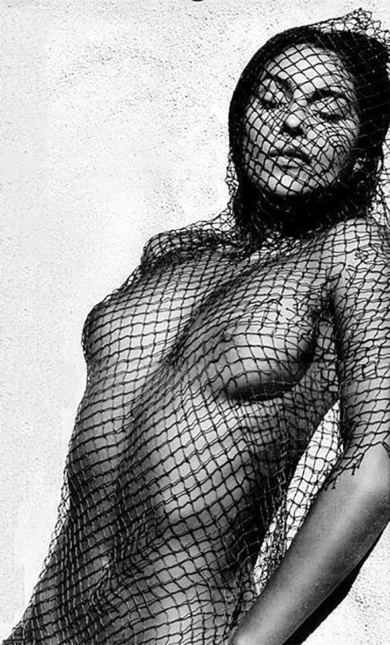 Monica Bellucci Topless Pechos Actriz Italiana 5