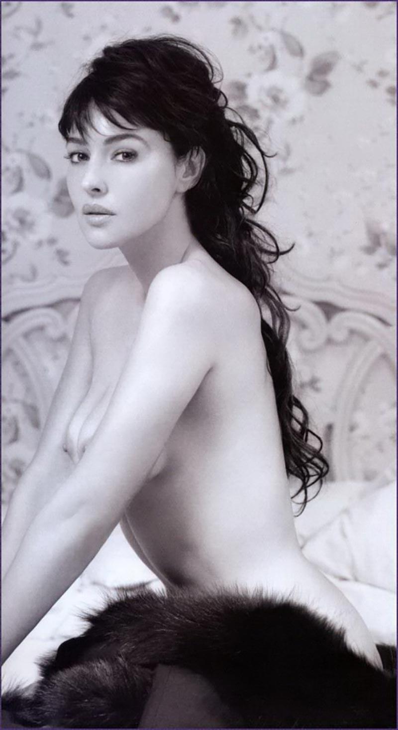Monica Bellucci Topless Pechos Actriz Italiana 6
