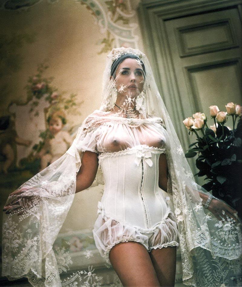 Monica Bellucci Transparencia Pezones Vestido Novia