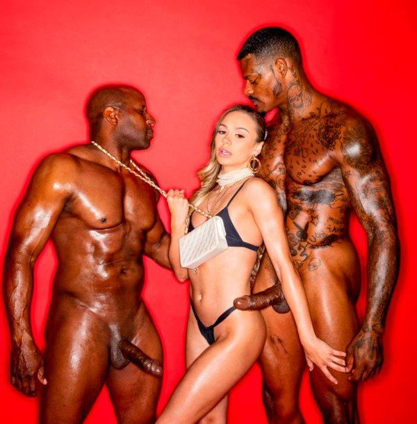 Naomi Swann dobla ración afropollas