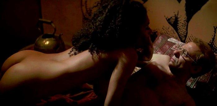Actriz Vicenta N'Dongo teniendo sexo
