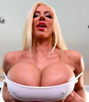 Nicolette Shea mujer pechonalidad