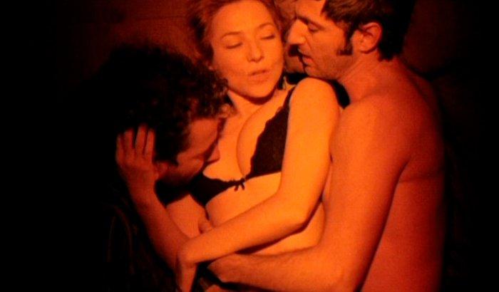Pilar Castro sexo en Dos Lados de la Cama