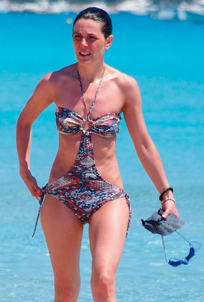 Raquel Sanchez Silva biquini playa
