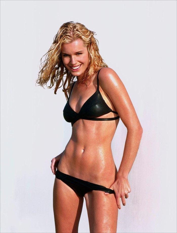Rebecca Romijn bikini provocativo