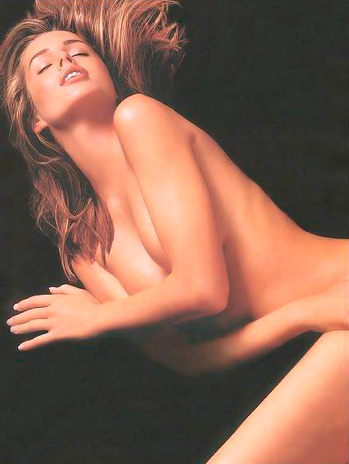 Rebecca Romijn desnuda posado moda