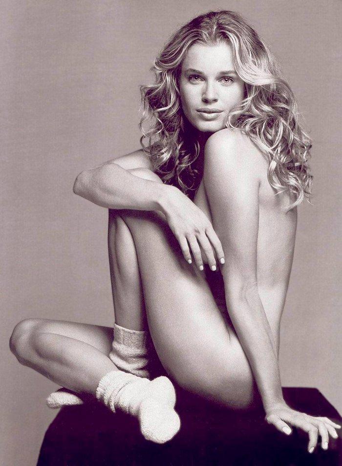 Rebecca Romijn desnuda revista moda