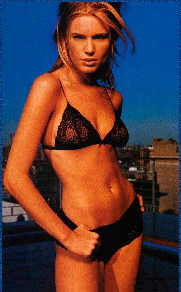 Rebecca Romijn fotos eróticas 6