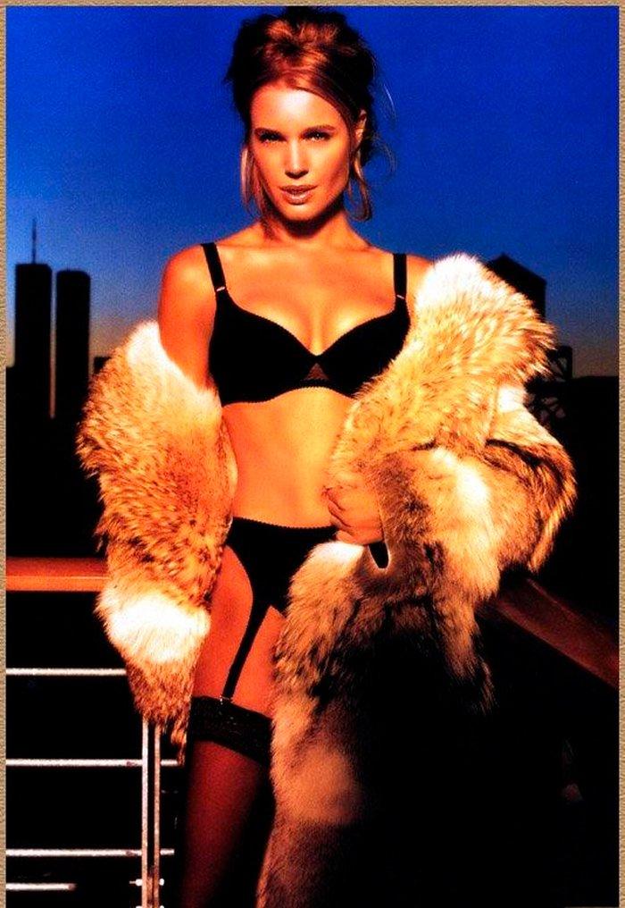 Rebecca Romijn fotos eróticas 8