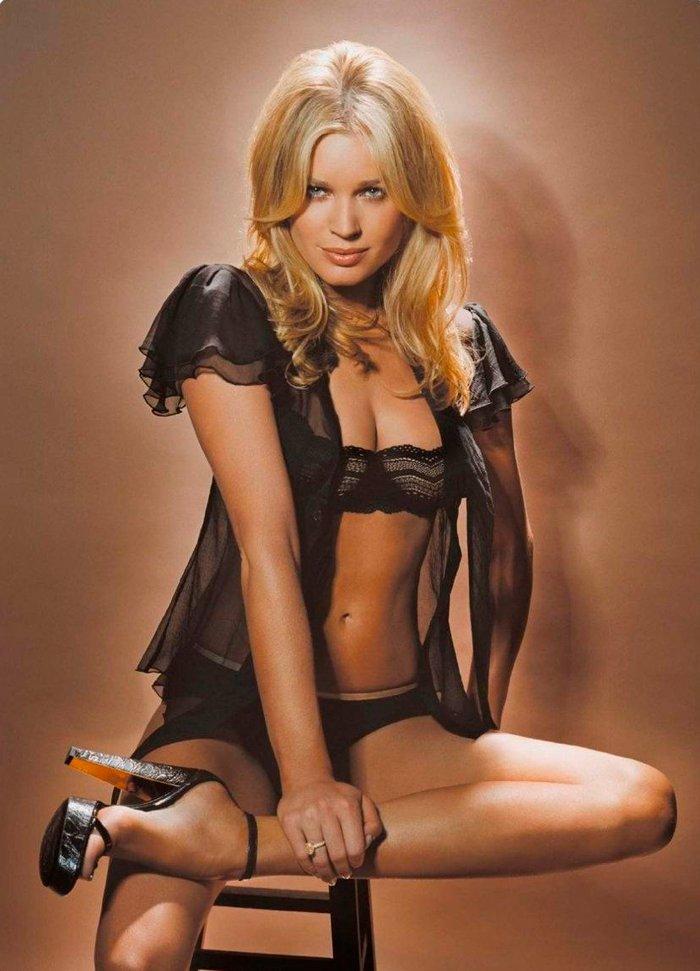 Rebecca Romijn fotos eróticas 9