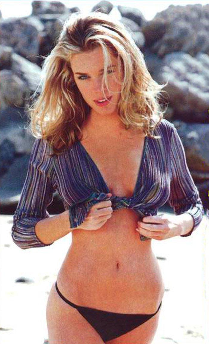 Rebecca Romijn modelo lencería 10