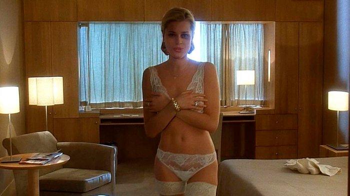 Rebecca Romijn modelo lencería 3