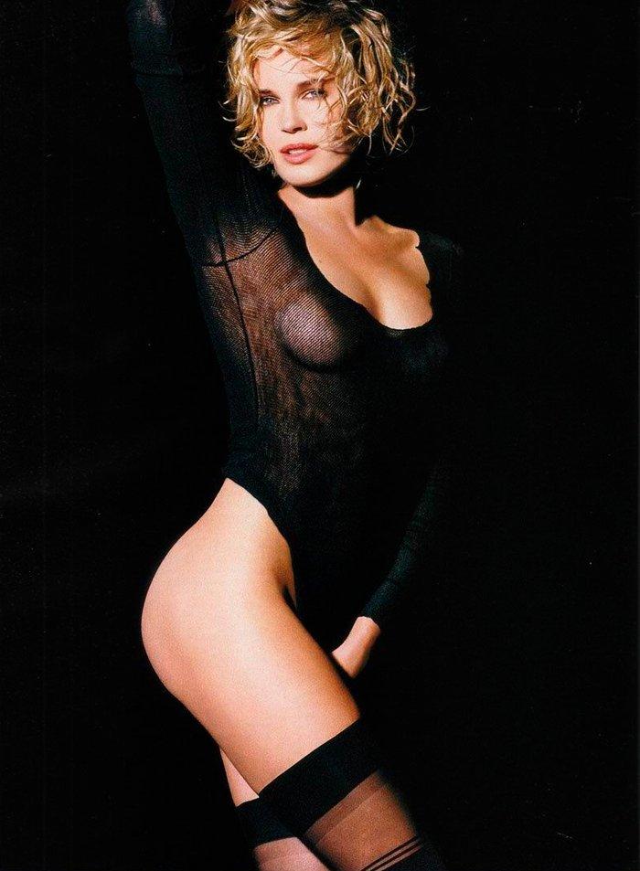 Rebecca Romijn modelo lencería 5