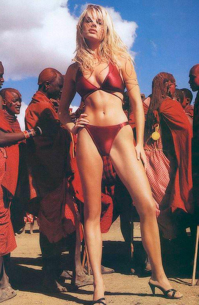 Rebecca Romijn posando sexy 2