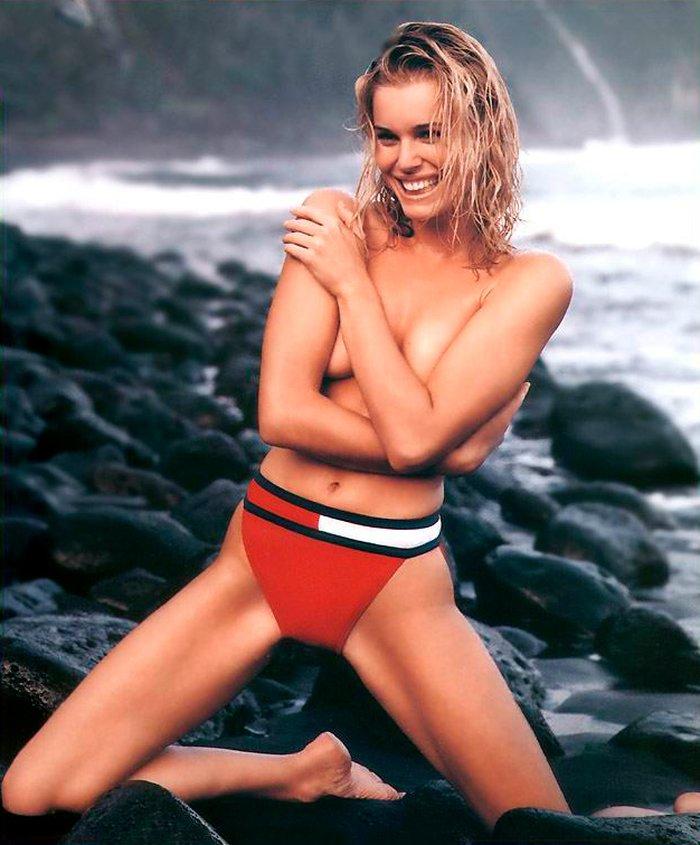 Rebecca Romijn posando sexy 5