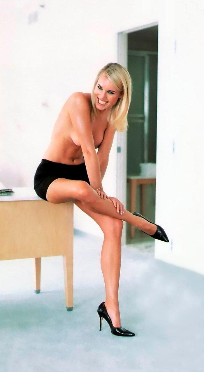 Rebecca Romijn posando sexy 6