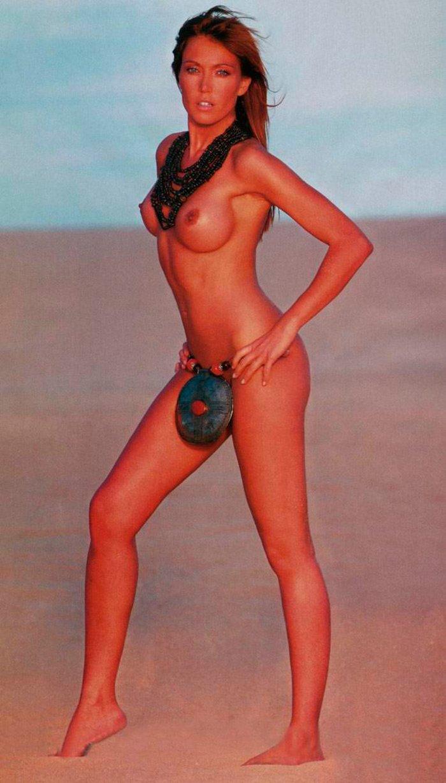 Silvia Fominaya desnuda en playa