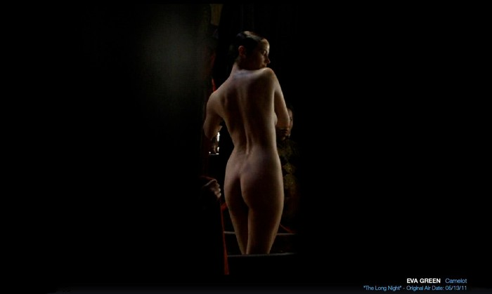 Eva Green desnuda escena baño Camelot