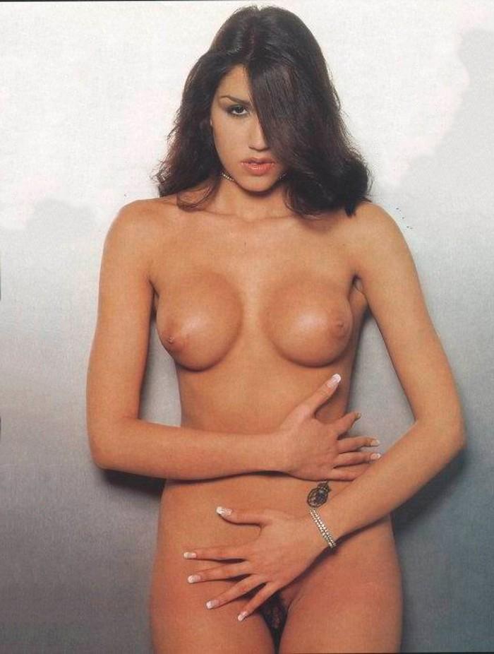 Nuria Bermúdez desnuda completa
