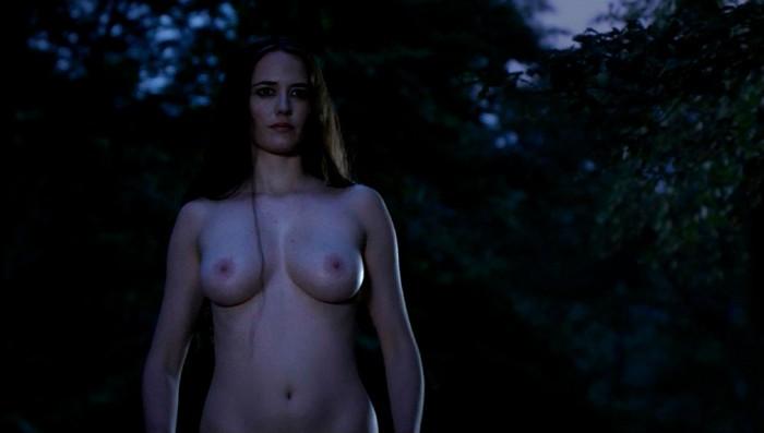 Topless de Eva Green en Camelot