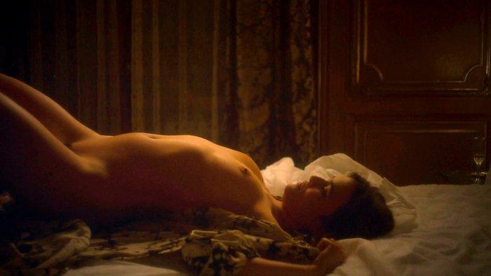 Adriana Ugarte desnudo explícito